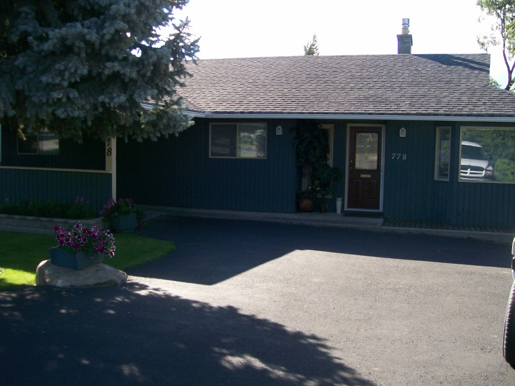 Photo 2: 778 Chaparral Place in Kamloops: South Kamloops Residential Detached for sale : MLS(r) # 114760