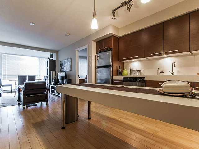 Main Photo: 803 2770 Sophia Street in Vancouver: Mount Pleasant VE Condo for sale (Vancouver East)  : MLS(r) # V1001129