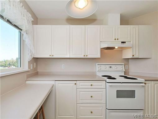 Photo 11: 307 2250 James White Boulevard in SAANICHTON: SI Sidney North-East Residential for sale (Sidney)  : MLS® # 323451