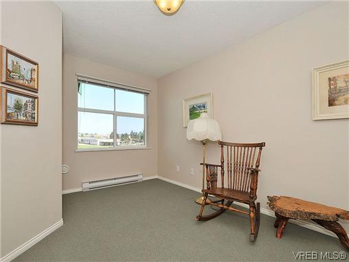 Photo 15: 307 2250 James White Boulevard in SAANICHTON: SI Sidney North-East Residential for sale (Sidney)  : MLS® # 323451