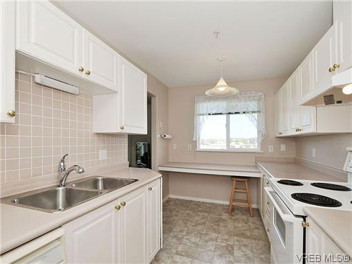 Photo 8: 307 2250 James White Boulevard in SAANICHTON: SI Sidney North-East Residential for sale (Sidney)  : MLS® # 323451