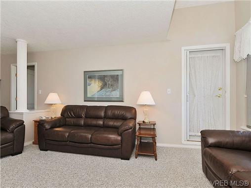 Photo 5: 307 2250 James White Boulevard in SAANICHTON: SI Sidney North-East Residential for sale (Sidney)  : MLS® # 323451
