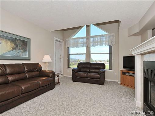 Photo 4: 307 2250 James White Boulevard in SAANICHTON: SI Sidney North-East Residential for sale (Sidney)  : MLS® # 323451