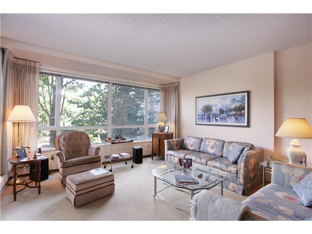 Photo 3: 308 518 Moberly Road in Vancouver: Condo for sale