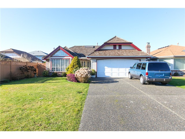 "Main Photo: 4673 HOLLY PARK Wynd in Ladner: Holly House for sale in ""HOLLY"" : MLS(r) # V1045145"