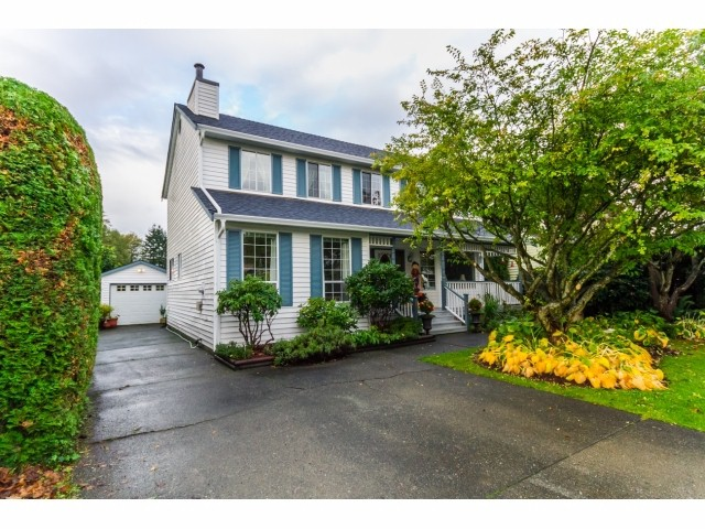 Main Photo: 9353 209A Street in Langley: Walnut Grove House for sale : MLS®# F1425930