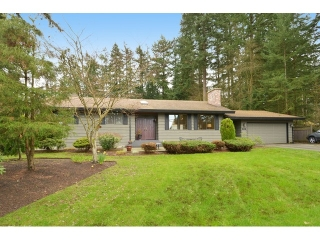 """Main Photo: 2624 140 Street in Surrey: Sunnyside Park Surrey House for sale in """"Elgin / Chantrell"""" (South Surrey White Rock)  : MLS(r) # F1435238"""