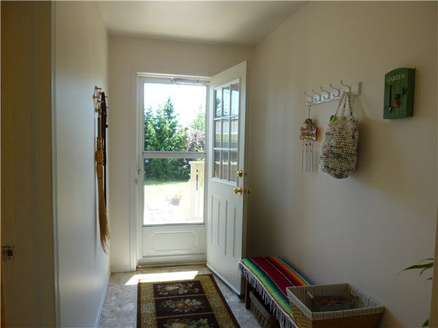 Photo 2:  in Sechelt: Sechelt District House for sale (Sunshine Coast)  : MLS(r) # V1130930