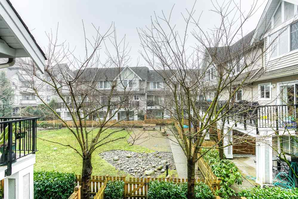 "Photo 16: 10 19141 124 Avenue in Pitt Meadows: Mid Meadows Townhouse for sale in ""MEADOWVIEW ESTATES"" : MLS(r) # R2023282"