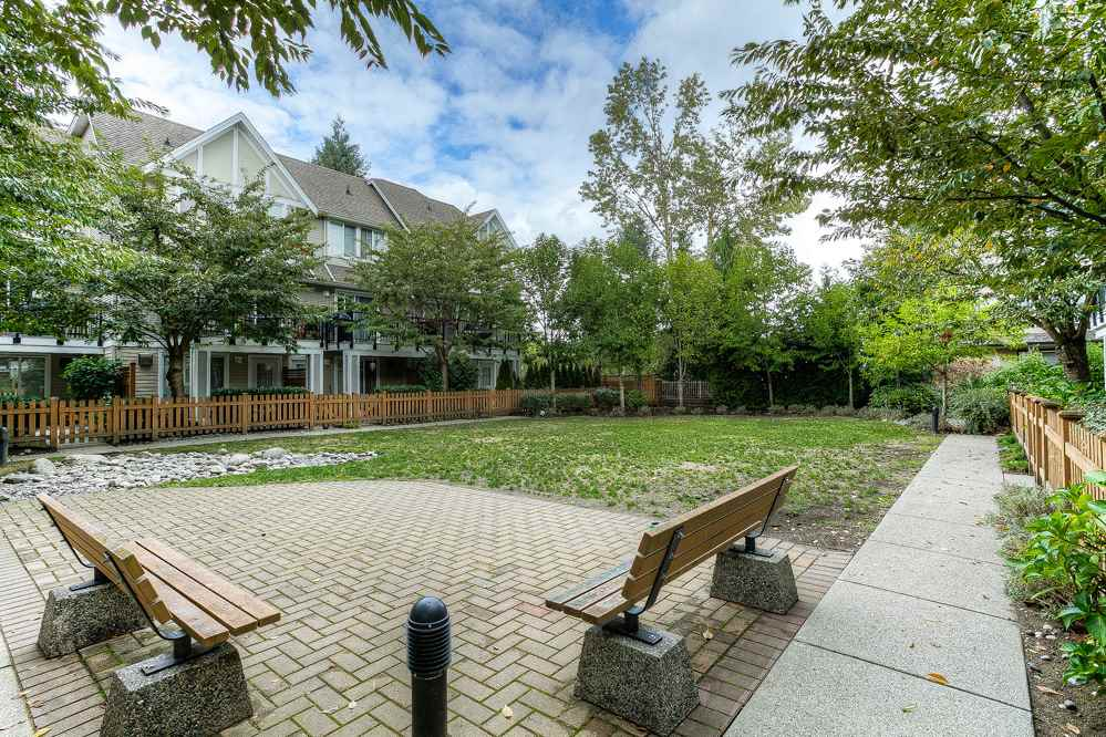 "Photo 17: 10 19141 124 Avenue in Pitt Meadows: Mid Meadows Townhouse for sale in ""MEADOWVIEW ESTATES"" : MLS® # R2023282"