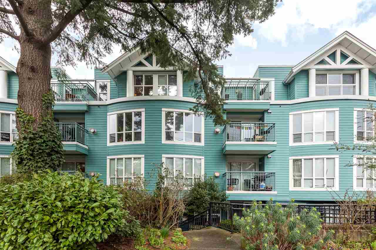 "Main Photo: 401 1617 GRANT Street in Vancouver: Grandview VE Condo for sale in ""Evergreen Place"" (Vancouver East)  : MLS®# R2044191"