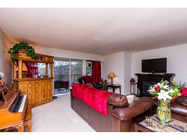 "Photo 4: 1948 HIGHVIEW Place in Port Moody: College Park PM Townhouse for sale in ""HIGHVIEW"" : MLS® # R2046813"