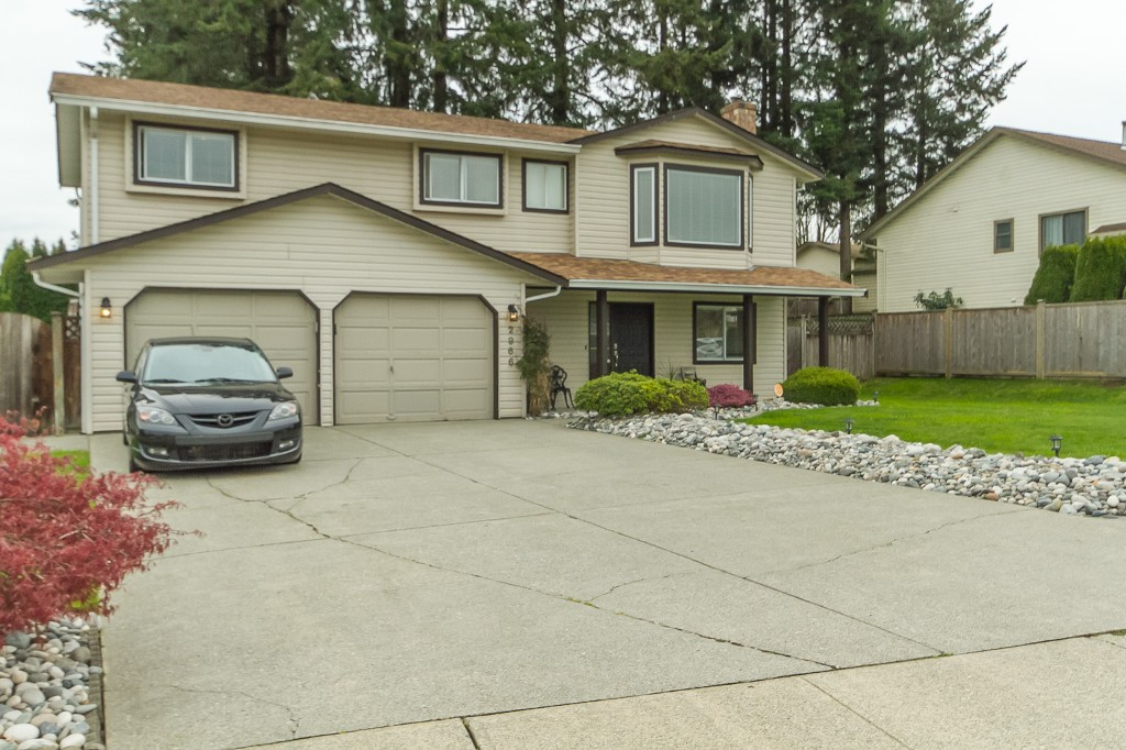 "Photo 3: 2966 WILLBAND Street in Abbotsford: Central Abbotsford House for sale in ""Terry Fox"" : MLS® # R2055332"
