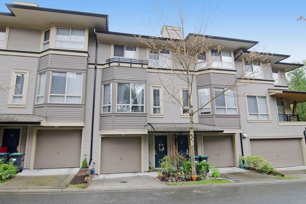 "Photo 1: 41 100 KLAHANIE Drive in Port Moody: Port Moody Centre Townhouse for sale in ""KLAHANIE"" : MLS(r) # R2066218"