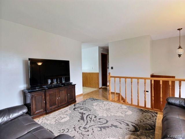 Photo 5: 22 Tranquility Cove in Winnipeg: North Kildonan Residential for sale (North East Winnipeg)  : MLS(r) # 1616554