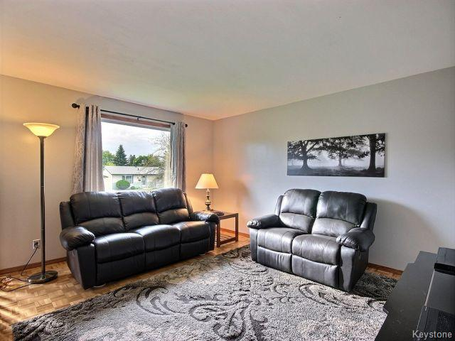 Photo 4: 22 Tranquility Cove in Winnipeg: North Kildonan Residential for sale (North East Winnipeg)  : MLS(r) # 1616554