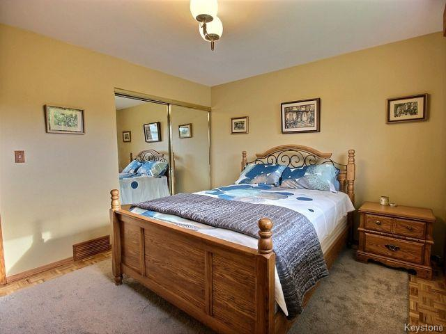 Photo 11: 22 Tranquility Cove in Winnipeg: North Kildonan Residential for sale (North East Winnipeg)  : MLS(r) # 1616554