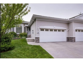 Main Photo: 226 ROCKY RIDGE Villa(s) NW in Calgary: Rocky Ridge House for sale : MLS(r) # C4078157