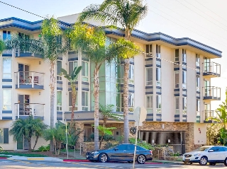 Main Photo: LA JOLLA Condo for sale : 2 bedrooms : 935 Genter St #203
