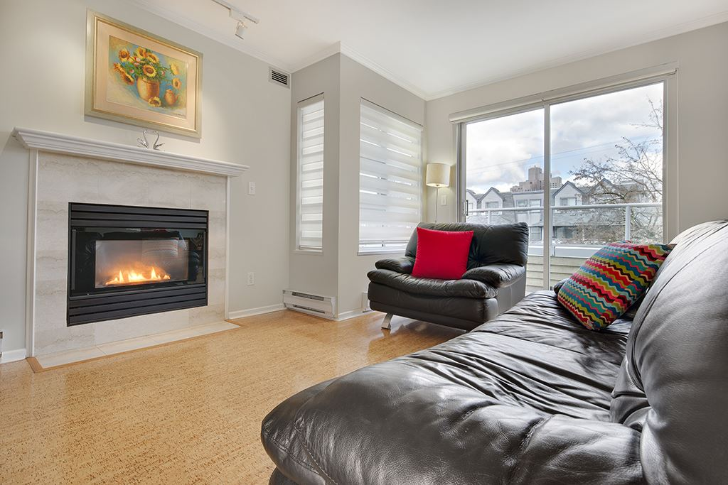 "Photo 3: 305 868 W 16TH Avenue in Vancouver: Cambie Condo for sale in ""Willow Springs"" (Vancouver West)  : MLS(r) # R2141883"