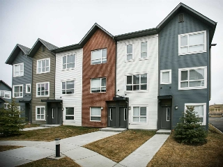 Main Photo: 126 2560 Pegasus Boulevard in Edmonton: Zone 27 Townhouse for sale : MLS(r) # E4059489
