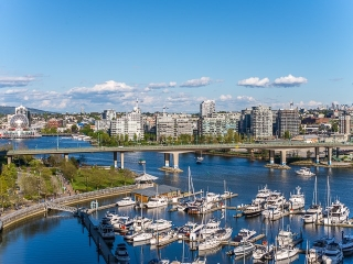 Main Photo: 1602 1201 MARINASIDE Crescent in Vancouver: Yaletown Condo for sale (Vancouver West)  : MLS(r) # R2163698