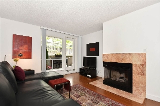 "Main Photo: 106 1010 CHILCO Street in Vancouver: West End VW Condo for sale in ""CHILCO PARK"" (Vancouver West)  : MLS(r) # R2168644"