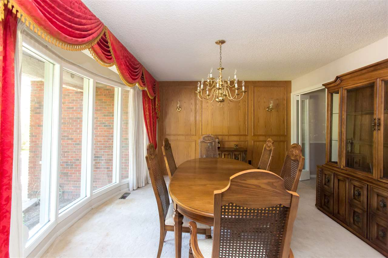 The hosts dream dining room to entertain all of your closest guests.