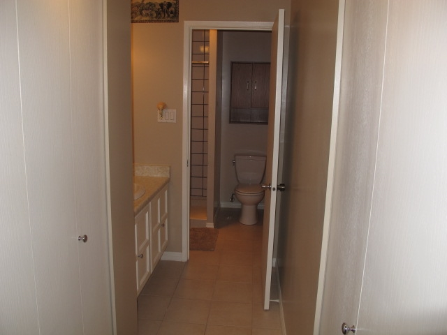 "Photo 11: 302 7180 LINDEN Avenue in Burnaby: Highgate Condo for sale in ""LINDEN HOUSE"" (Burnaby South)  : MLS(r) # R2177989"