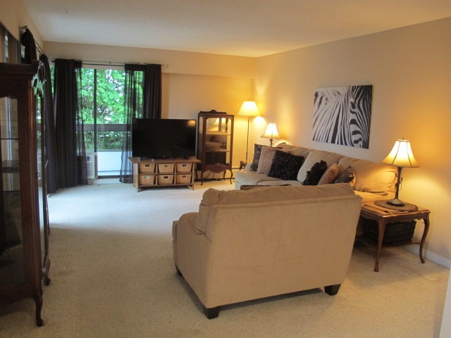 "Photo 3: 302 7180 LINDEN Avenue in Burnaby: Highgate Condo for sale in ""LINDEN HOUSE"" (Burnaby South)  : MLS(r) # R2177989"