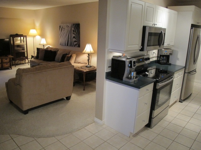 "Photo 4: 302 7180 LINDEN Avenue in Burnaby: Highgate Condo for sale in ""LINDEN HOUSE"" (Burnaby South)  : MLS(r) # R2177989"
