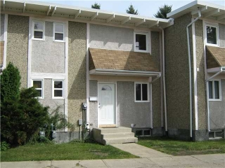 Main Photo:  in Edmonton: Zone 27 Townhouse for sale : MLS(r) # E4069805