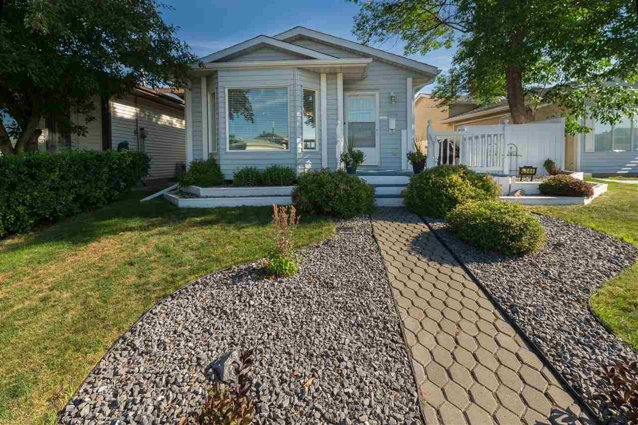 Main Photo: 8344 156 Avenue in Edmonton: Zone 28 House for sale : MLS® # E4072329