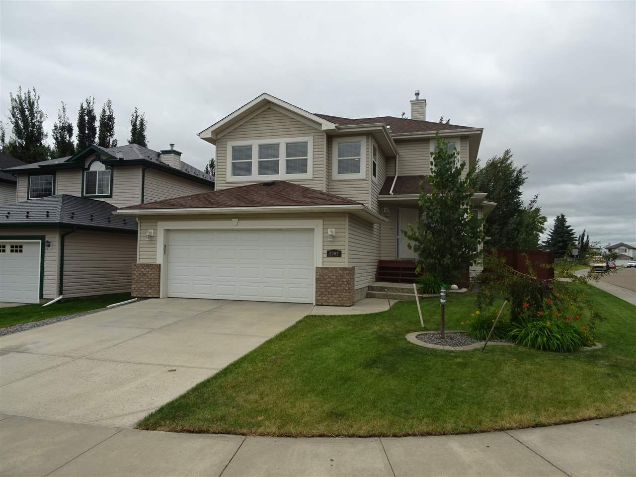 Main Photo: 2092 Brennan Crescent in Edmonton: Zone 58 House for sale : MLS® # E4074136