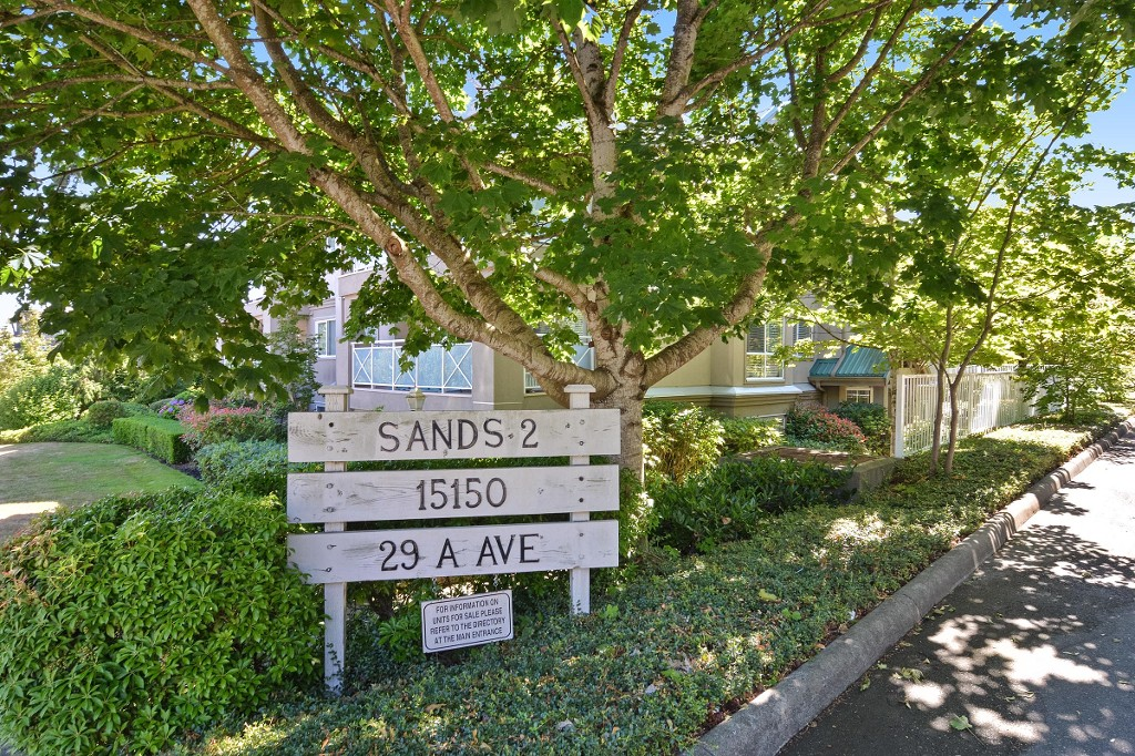 "Main Photo: 307 15150 29A Avenue in Surrey: King George Corridor Condo for sale in ""THE SANDS 2"" (South Surrey White Rock)  : MLS® # R2193309"