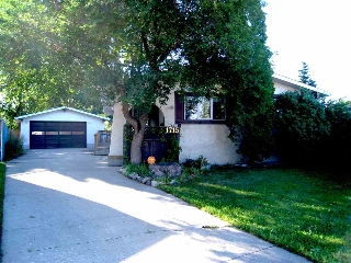Main Photo: 1715 68 Street in Edmonton: Zone 29 House for sale : MLS® # E4076129