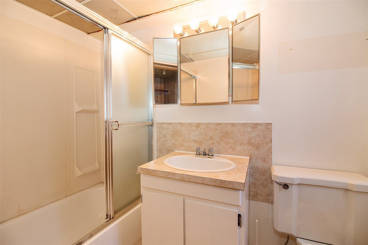 Full Bathroom in Basement Suite!