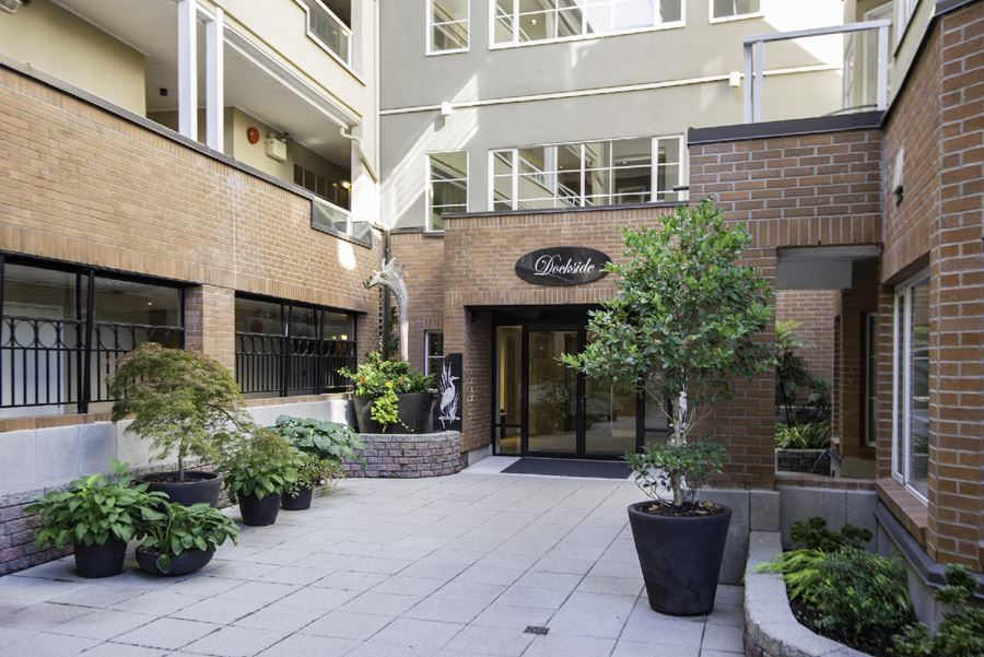 "Main Photo: 209 12 K DE K Court in New Westminster: Quay Condo for sale in ""DOCKSIDE"" : MLS® # R2206815"