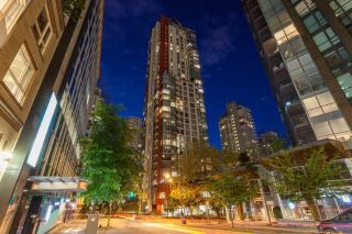 "Main Photo: 1202 1211 MELVILLE Street in Vancouver: Coal Harbour Condo for sale in ""The Ritz"" (Vancouver West)  : MLS® # R2223413"