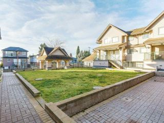 "Main Photo: 205 5625 SENLAC Street in Vancouver: Killarney VE Townhouse for sale in ""KILLARNEY VILLAS"" (Vancouver East)  : MLS® # R2227967"