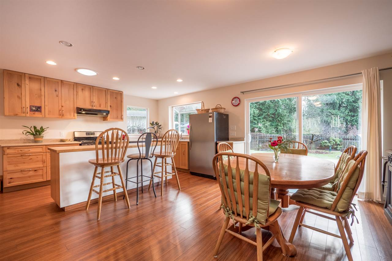 Photo 4: Photos: 3385 SPRUCE Road: Roberts Creek House for sale (Sunshine Coast)  : MLS®# R2230741