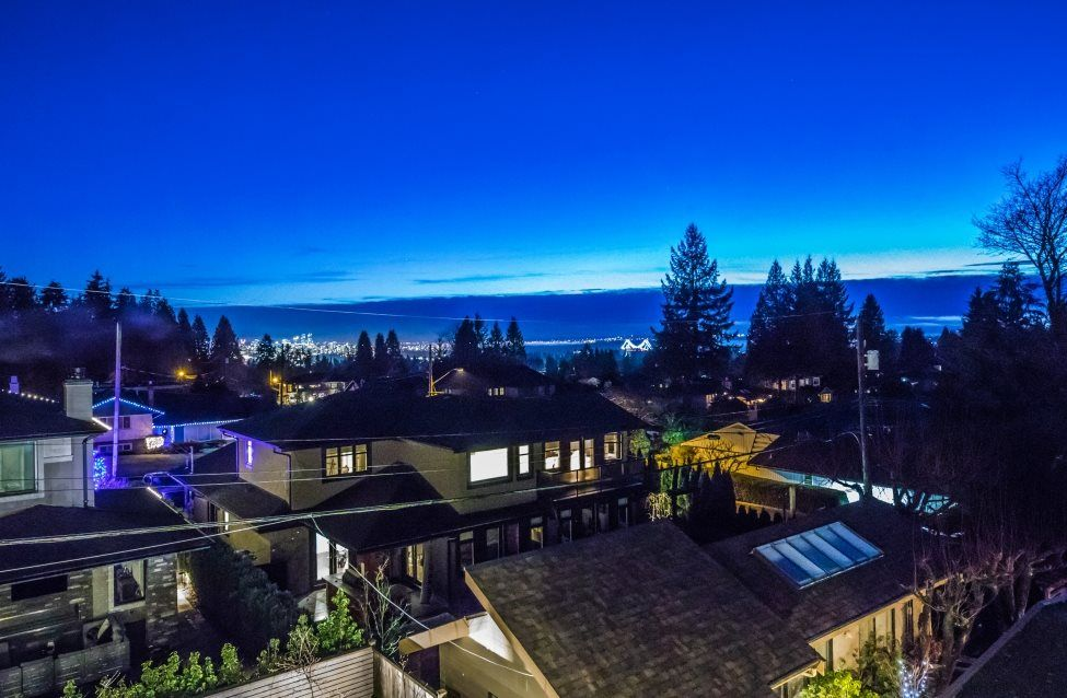 Photo 14: Photos: 883 WAVERTREE Road in North Vancouver: Forest Hills NV House for sale : MLS® # R2232356