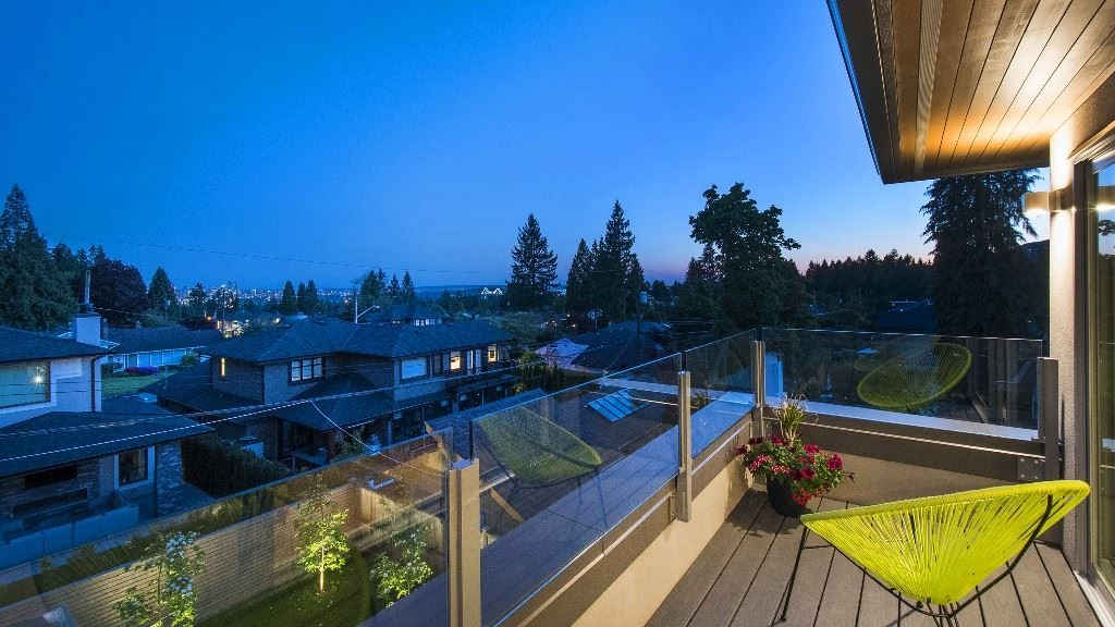 Photo 13: Photos: 883 WAVERTREE Road in North Vancouver: Forest Hills NV House for sale : MLS® # R2232356