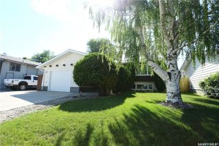 Main Photo: 218 Nesbitt Crescent in Saskatoon: Dundonald Residential for sale : MLS®# SK740694