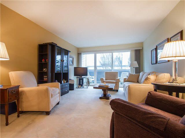 "Main Photo: 305 1775 W 11TH Avenue in Vancouver: Fairview VW Condo for sale in ""Ravenwood"" (Vancouver West)  : MLS®# V1106649"