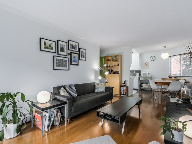 Photo 3: 207 1169 NELSON Street in Vancouver: West End VW Condo for sale (Vancouver West)  : MLS® # R2038790