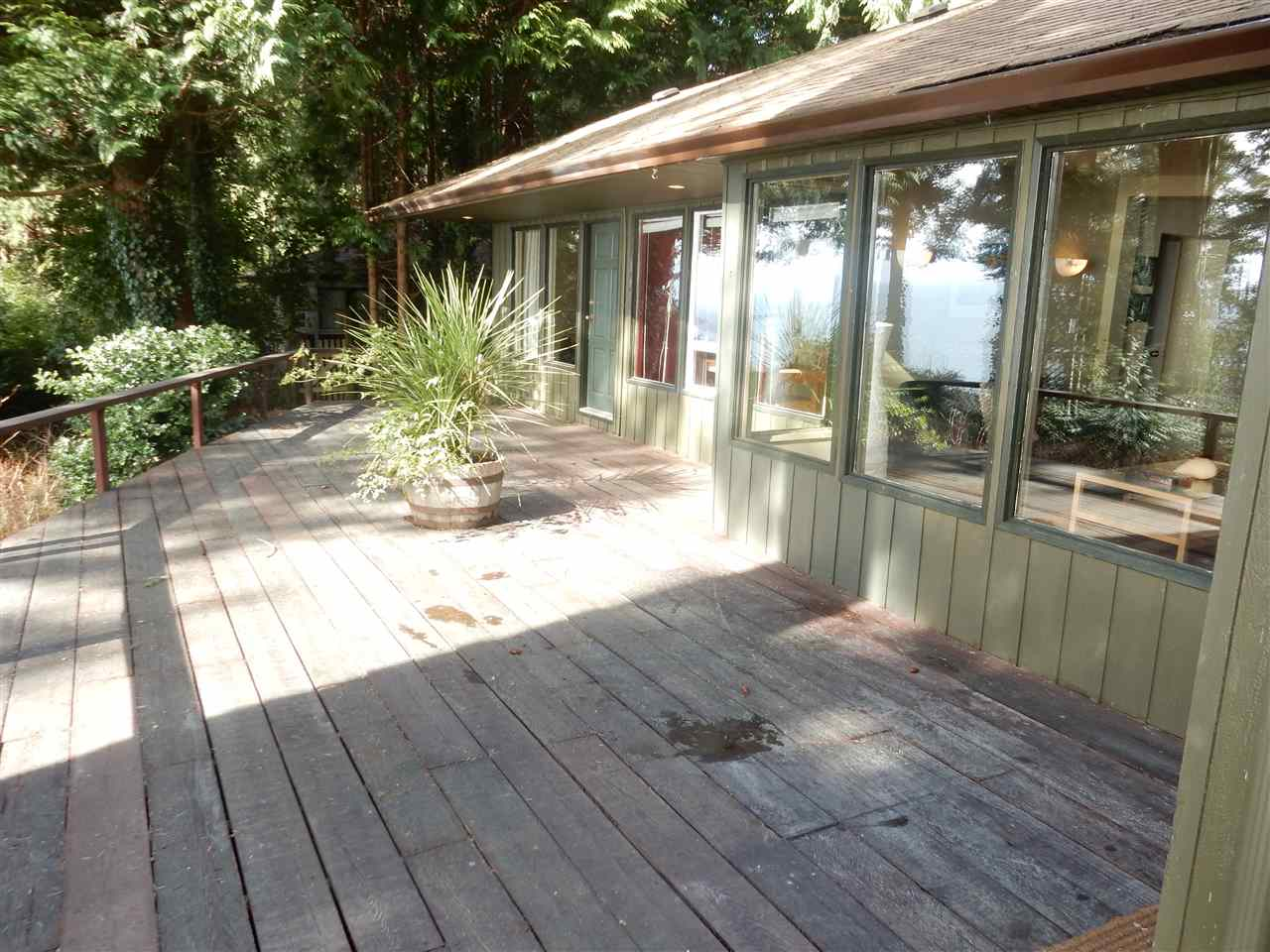 Photo 3: 8045 REDROOFFS Road in Halfmoon Bay: Halfmn Bay Secret Cv Redroofs House for sale (Sunshine Coast)  : MLS(r) # R2040225