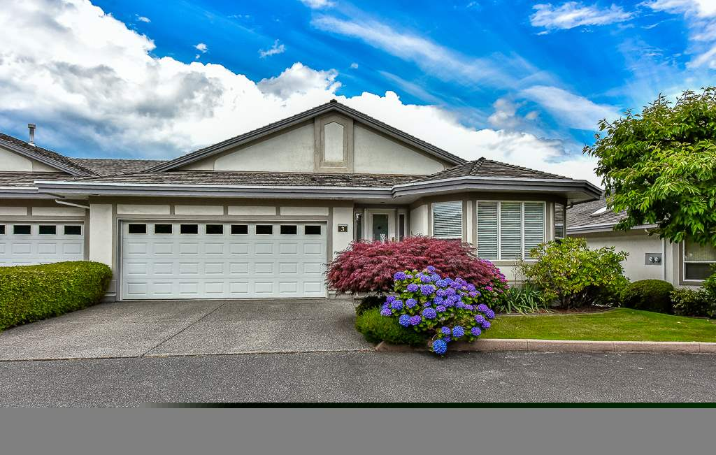 "Main Photo: 3 31445 RIDGEVIEW Drive in Abbotsford: Abbotsford West Townhouse for sale in ""PANORAMA ESTATES"" : MLS® # R2081810"