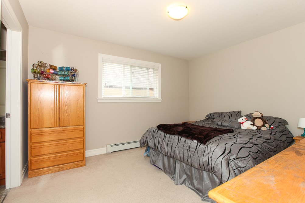 Photo 9: 27989 TRESTLE Avenue in Abbotsford: Aberdeen House for sale : MLS® # R2083139
