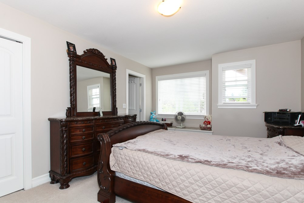Photo 10: 27989 TRESTLE Avenue in Abbotsford: Aberdeen House for sale : MLS® # R2083139